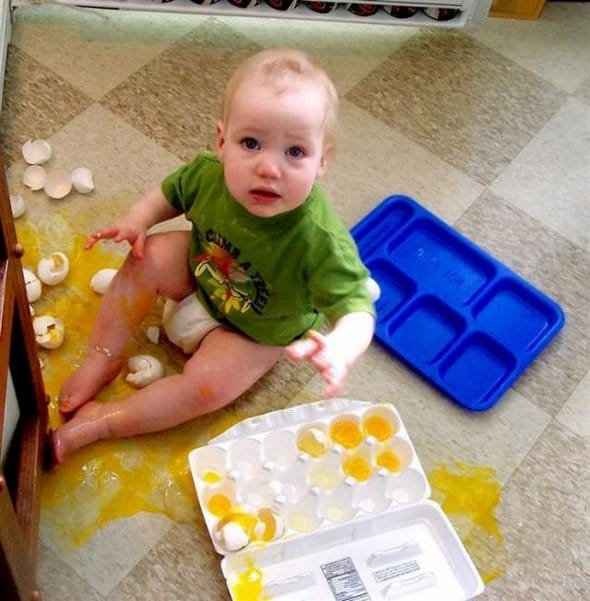 naughty-mischievous-baby-boys-photography-funny-baby-pics